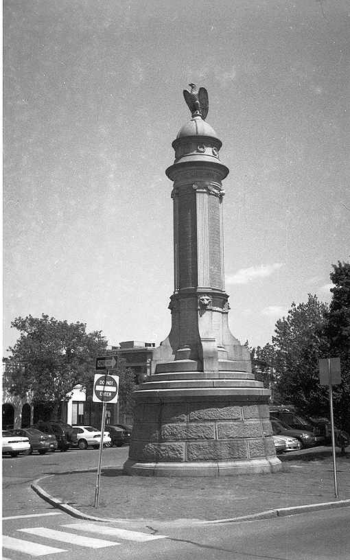 Arlington, Massachusetts monument