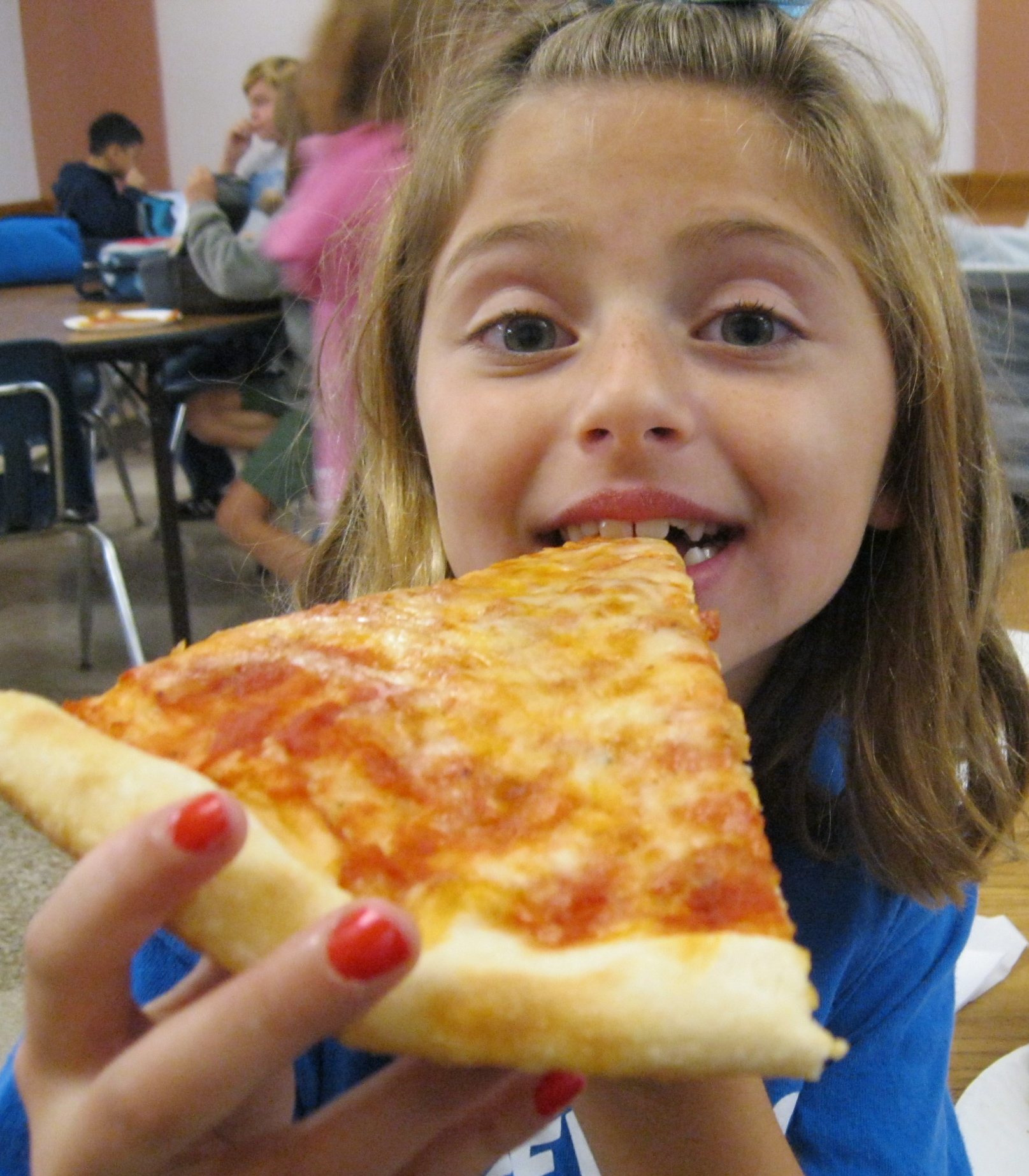 Cheese pizza and little girl